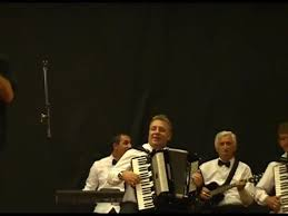Ivan Grubesic - Pjevam Svojoj Rodnoj Bosni Sevdah Fest Bihac 2016 - Vbox7