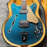 the 200k les paul s little brother 1960 gibson melody maker i m shipping out this incredible 1967 fender coronado ii in custom color lake placid