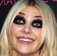 taylor momsen doesn t have rac eyes