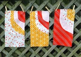 How to Sew Curved Quilt Blocks & Here's a quick tutorial that will teach you how to make improv curved quilt  blocks! Adamdwight.com