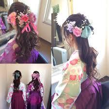 Yumiさんのヘアスタイル 生花をあしらってリボンで可愛ら Tredina