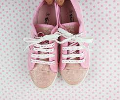 diy shoes with embroidery shoelaces