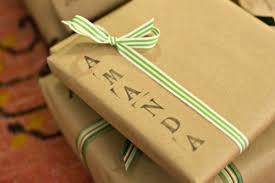 time saving gift wrapping ideas for the holidays