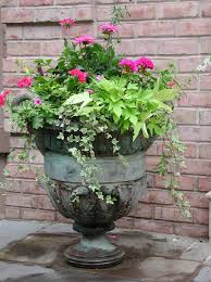 Building A Dream House: Front Porch Container Gardens | Urn ...