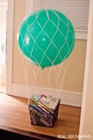 diy hot air balloon basket via realhousemoms