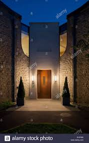 Image Mirror Merton College University Of Oxford Lecture Hall And Reception Area Exterior At Dusk Alamy Subtle Lighting Stock Photos Subtle Lighting Stock Images Alamy