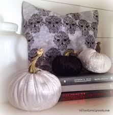 diy black and white velvet pumpkins