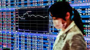 Taiwanese flock to stocks as economy ...