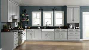 Classic white and neutral kitchen cabinets will always be in style, yeo explains, who reveals that some of benjamin. How To Choose Kitchen Cabinet Colors Angie S List