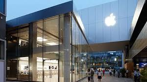 woman breaks nose on apple sues