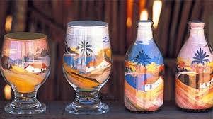Resultado de imagem para garrafa de areia colorida