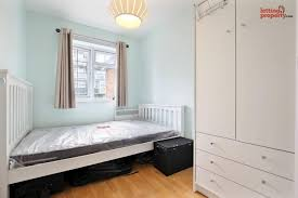 ... 2 Bedroom Furnished Flat To Rent On Havil Street, London, SE5 By Private  Landlord