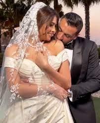 فستان الفنانة هاجر احمد يخطف الانظار فى حفل زفافها صور