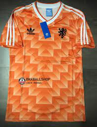 Retro] – เสื้อบอล ย้อนยุค ทีมชาติ Netherland Holland Home ฮอลแลนด์ เหย้า  ชุดแชมป์ Euro ยูโร 1988 ราคา 550 บาท   BKKBALLSHOP - จำหน่าย ขาย เสื้อบอล  AAA/Player ทั้งปลีก/ส่ง รับตัวแทนจำหน่าย