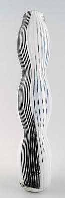 murano large art glass vase unstamped black and white striped