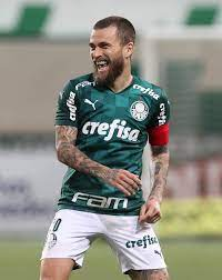 Lucas Lima desperta interesse do time de Beckham na MLS, diz jornal