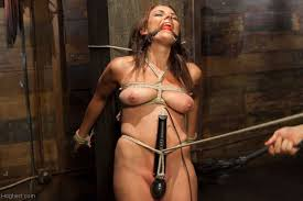 All Natural Babe in Heavy Bondage Pichunter Online porn video.