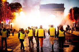 Emmanuel Macron - Page 2 Images?q=tbn:ANd9GcTI5wPjy2eLILbSa64v7Yx9rzs6v4g-7e8sgYhkTkSuuuFC-Trg