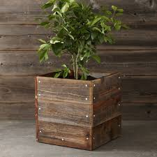 10 Easy Pieces Square Wooden Garden Planters Gardenista Wood Planters
