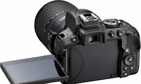 كاميرات نيكون الاحترافية بالامارات