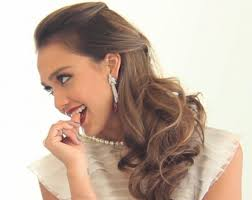 Jessica Alba Updo Hairstyles Our Favorite Jessica Alba Hairstyles Visual Makeover
