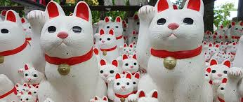 Fortune Beckons: Japan's Lucky Cat Figurines | Nippon.com