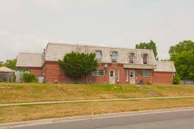 High Quality 1560 Bloor Street East 3 Bdrm Townhouse Available At 1560 Bloor Street East  Mississauga, ON#003890
