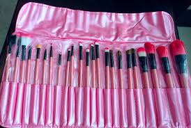 my makeup brush set review my makeup brush set review there are a total of 24 brushes in this set 9