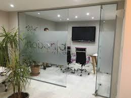 hoban design london glass wall with door