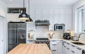 Prime Renovation De Cuisine Ilot Avec Comptoir De Bois Dans Rosemont