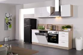 L Küche Mit Elektrogeräten Ta y ta y