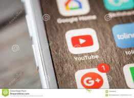 Close Up To Youtube App On IPhone 7 Screen Editorial Image - Image of  company, chat: 118628410