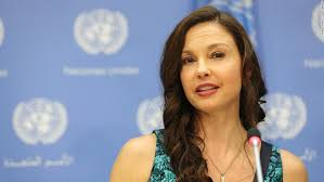 Maybe you would like to learn more about one of these? Ashley Judd Accident Actress Shattered Leg In African Jungle Cnn