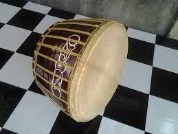 Gendang ialah alat bunyian yang diperbuat daripada kulit binatang seperti kerbau, kambing atau lembu. Alat Musik Gendang Melayu Berasal Dari Daerah Gambar Alat Musik
