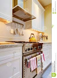 Yellow Kitchen White Cabinets Will White Kitchen Cabinets Yellow Quicuacom