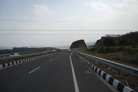 The ministry is currently working on a super expressway that will make every road trip between delhi and mumbai a dream come true. Delhi Mumbai Expressway To Get Operational By 2021