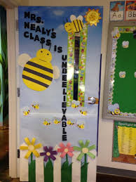 Bee Themed Door Decoration for Spring or Summer Bulletin board