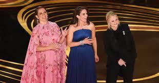 Tina Fey, Maya Rudolph, Amy Poehler mock lack of Oscars hosts ...
