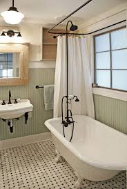 traditional clawfoot tub