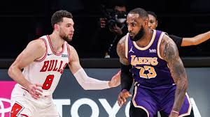 Bulls narrowly lose battle to Lakers 117-115