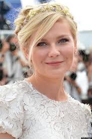 Talking of styles we love, check out Kirsten Dunst's beautiful floral embellished headband from her On The Road photocall earlier today. kirsten dunst - m-KIRSTEN-DUNST-620x930c