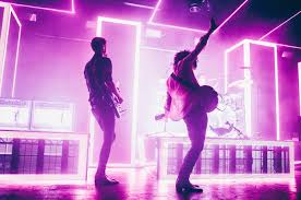The 1975 Go Stright To Number One In Us