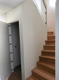 Der innenkorpus ist aus einer melaminharzbeschichteten spanplatte. Treppen Mit Unterbau Fur Zusatzlichen Stauraum Und Platz