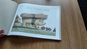 three pigs by david wiesner peritextual ysis