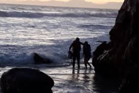 Teenagers Trapped In Cove By High Tide Capetown Etc