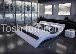 Rishon King Size Modern Design White Leather Platform Bed With Wave