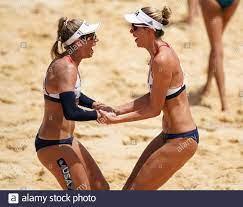 April Ross (links) und Alix Klineman ...