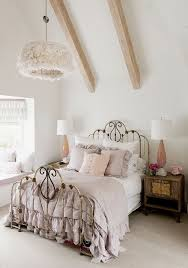 Shabby Chic Bedroom Wall Colors : Shabby chic bedrooms on a budget splendid sofa flower bedding set