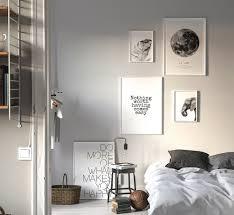 Bilderwand Im Minimalistischen Schlafzimmer Nordipo