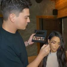 how kim kardashian s makeup artist